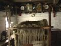 Ткацький верстат з натканим сукном для гуні