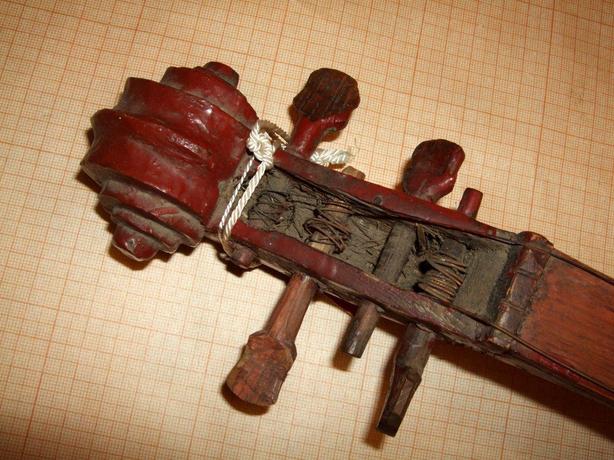 Скрипка-довбанка, сер.20 ст. МІ-305